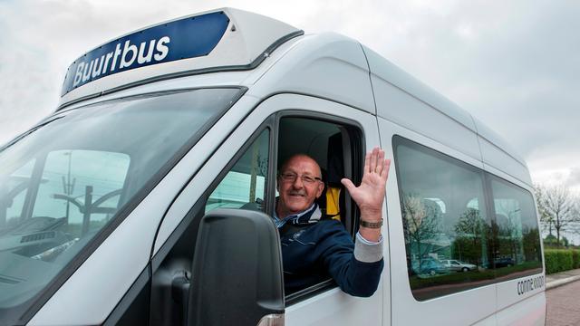 Reimerswaalse ouderen maken kennis met buurtbus