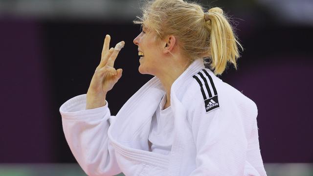 Polling wint zilver op Grand Prix Abu Dhabi, brons voor Van Emden