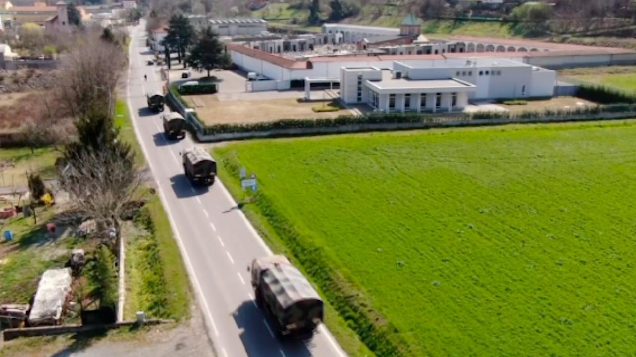 Begraafplaatsen Bergamo vol: Italiaans leger ingezet