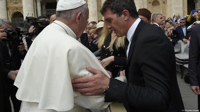 Antonio Banderas heeft ontmoeting met de paus