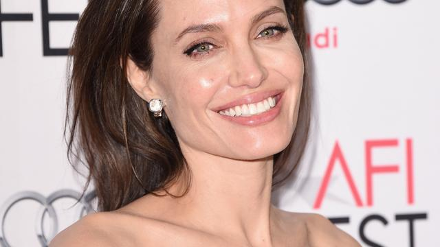 Angelina Jolie wordt gezicht van nieuw parfum Guerlain