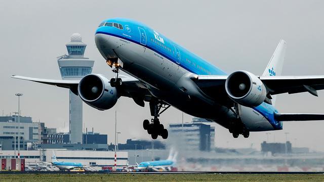 VVD wil Schiphol harder laten groeien dan afgesproken