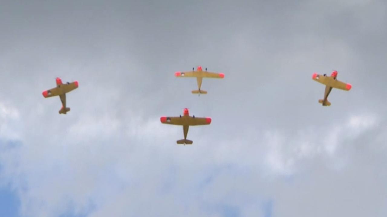 Grote vliegshow Oostwold trekt duizenden bezoekers
