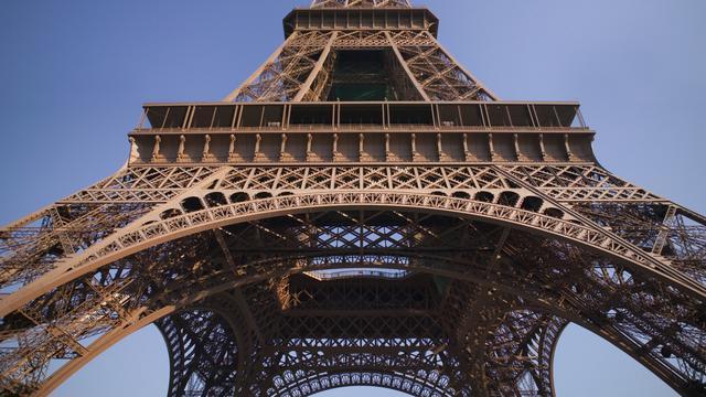 Eiffeltoren ontruimd na dreigtelefoontje