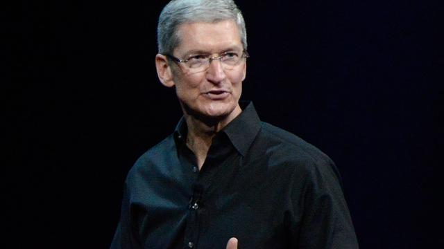 Apple-topman Tim Cook roept Bloomberg op hackverhaal China in te trekken