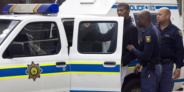 Zuid-Afrikaanse verslaggever wordt beroofd tijdens uitzending