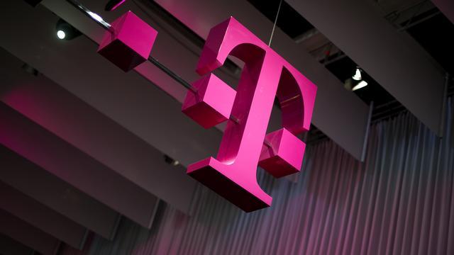 Klanten en euro stuwen Deutsche Telekom