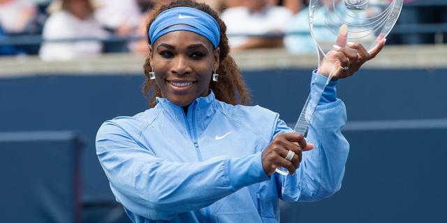 Serena Williams wint in Toronto (video)