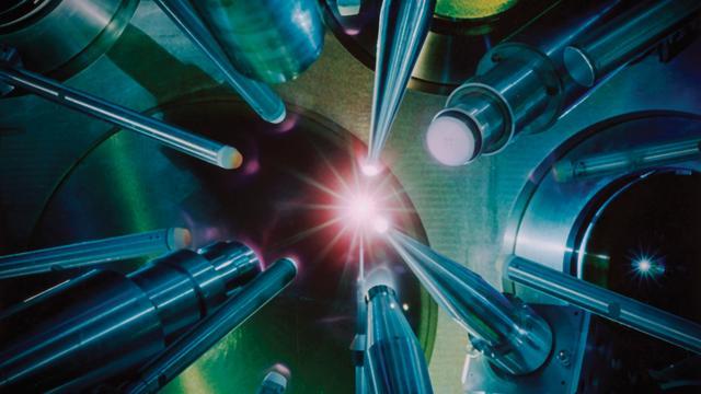 Marsrover Curiosity kan zelf lasers afschieten