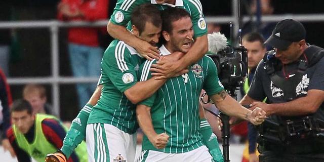 Noord-Ierland houdt Rusland van kop af in WK-kwalificatie