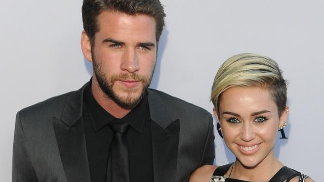 'Miley Cyrus en Liam Hemsworth trouwen op het strand'