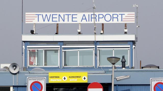 Dorpsraad Lonneker demonstreert tegen luchthavenplannen