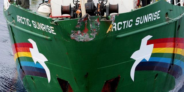 Activisten Greenpeace blijven vastzitten