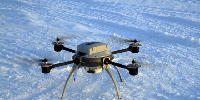 Drones monitoren olielekken, walvissen en drijfijs in Alaska