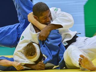 De Nederlandse judoka staat bij het toernooi in Rio te boek als kandidaat voor goud, maar moet het doen met plek drie.