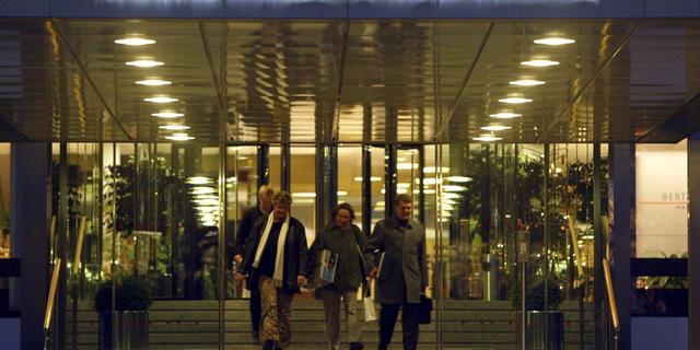Bertelsmann ziet winst dalen