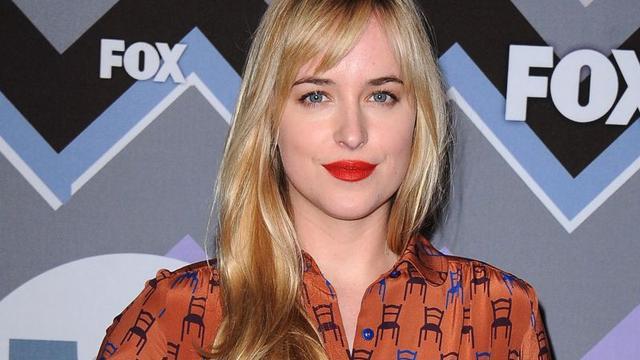 Dakota Johnson maakt met Coldplay-clip debuut als regisseuse
