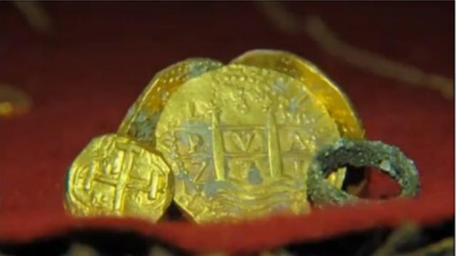 Schatzoekers bergen goud uit 'crisisschip'