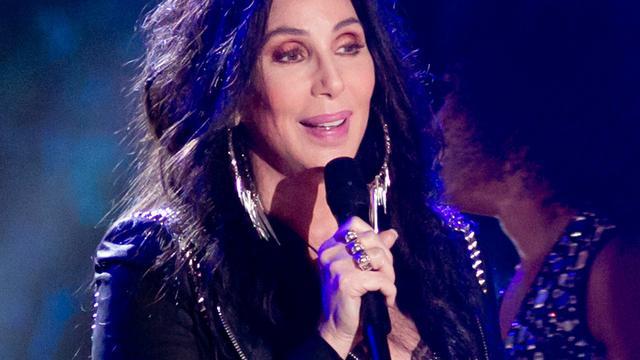 Cher annuleert rest tour om infectie