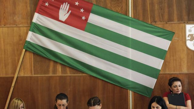 Poetin tekent akkoord met Georgische opstandelingen in Abchazië