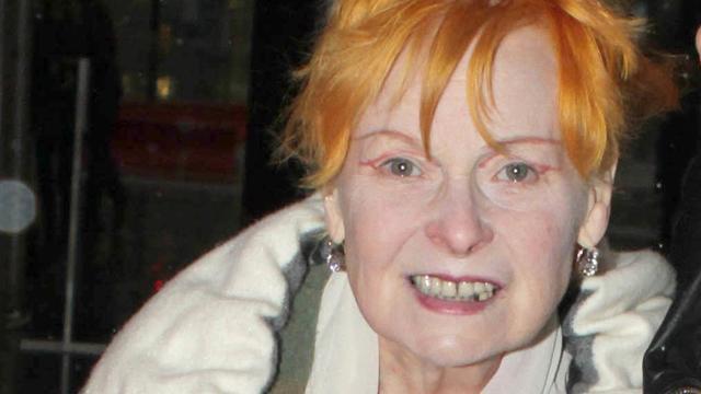 Vivienne Westwood neemt douche voor PETA