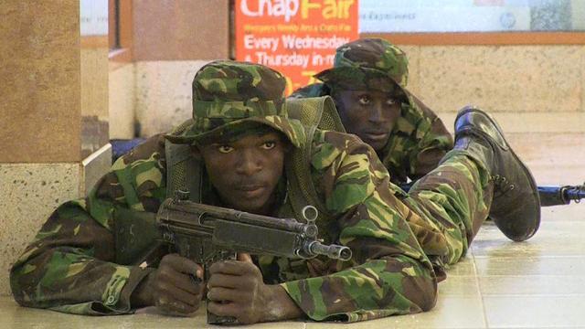 Weer schoten gehoord winkelcentrum Nairobi