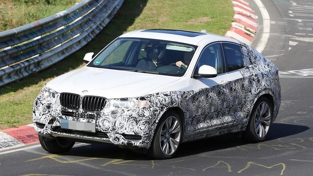 BMW X4 test op Nordschleife
