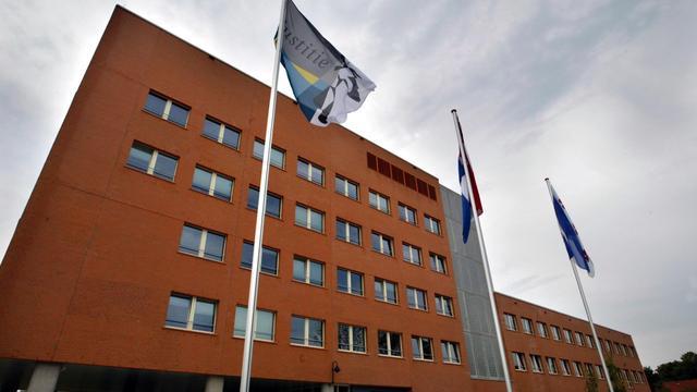 Rijk behoudt arbeidsplaatsen in Friesland en Drenthe