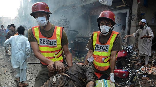 Dodental autobomaanslag Peshawar verder gestegen