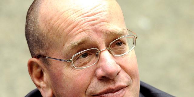 Oud-staatssecretaris Fred Teeven aan de slag als buschauffeur