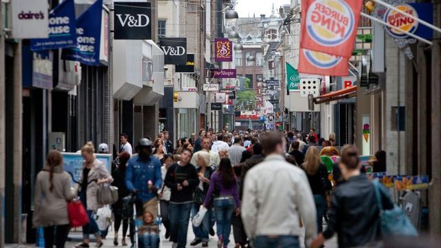 Winkeliers in eurolanden zetten iets meer om in februari