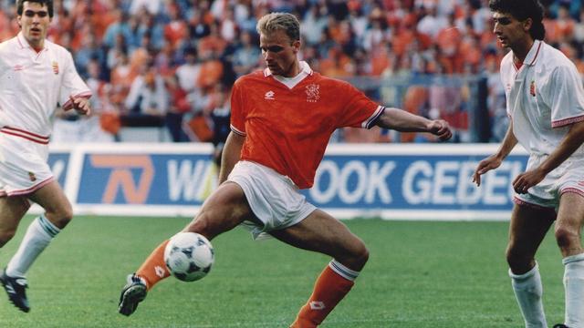 De mooiste goals van Dennis Bergkamp
