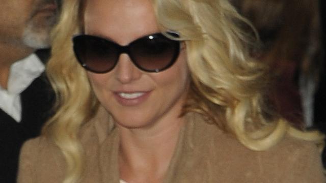 Britney Spears licht fans in over album