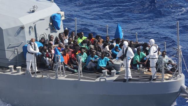 '27 migranten dood door onderkoeling in oversteek naar Italië'