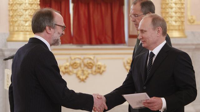 Poetin ontvangt nieuwe Nederlandse ambassadeur