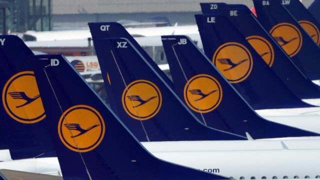 Piloten Lufthansa overwegen staking om loonruzie