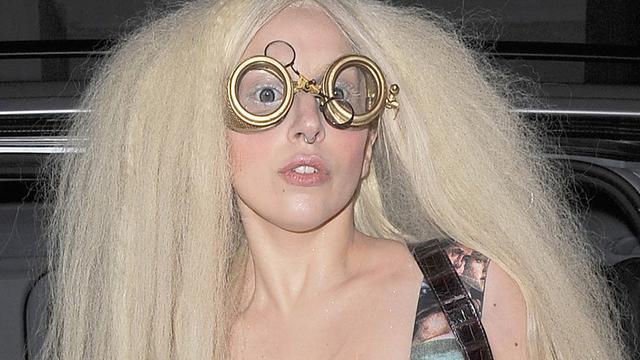Britten klagen over te blote Lady Gaga