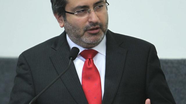 Premier Peru stapt op