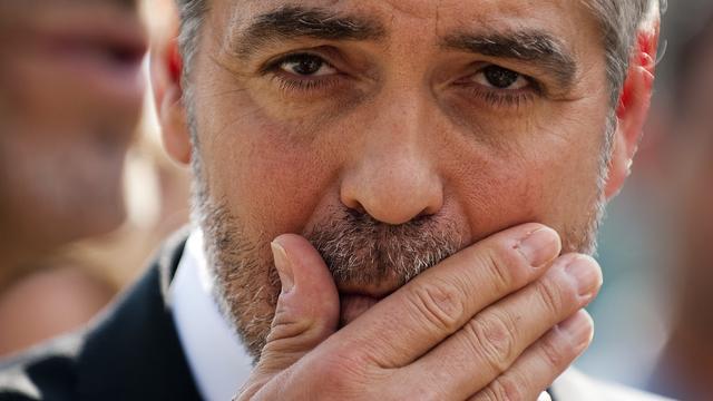 George Clooney ontkracht relatiegeruchten