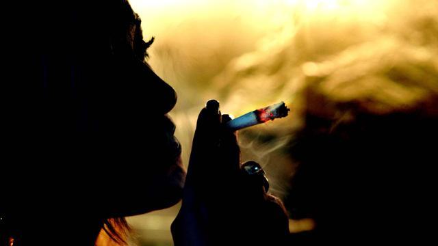 'Kleine joint per week niet schadelijk'