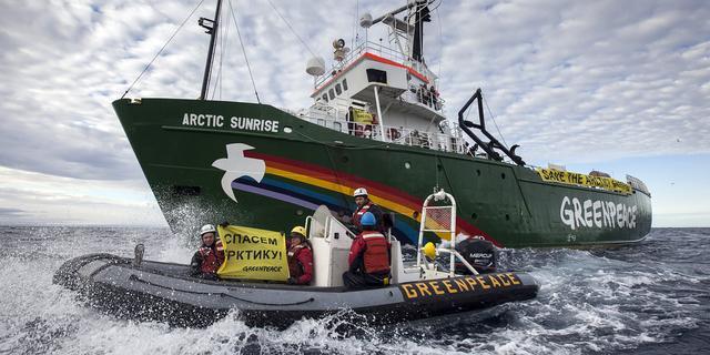 Activisten Greenpeace naar Sint-Petersburg
