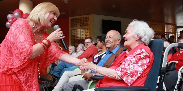 Minister De Jonge wil 'pact voor ouderenzorg' met zorgsector