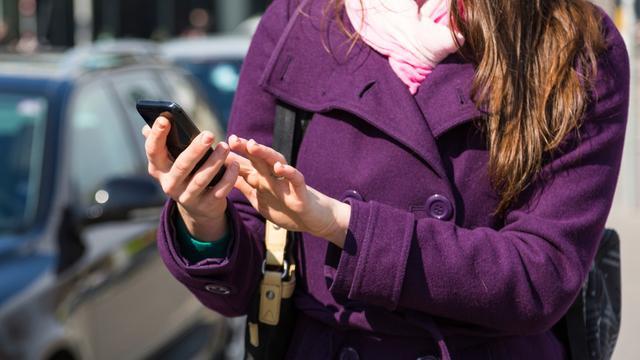 'Stop roamingkosten voor eind 2015 niet haalbaar'