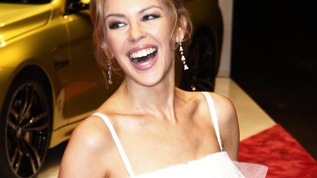 Kylie Minogue aan de slag met kerstalbum