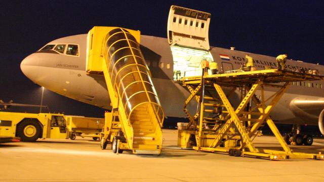 Luchtmacht brengt 25 ton hulpgoederen naar Griekenland