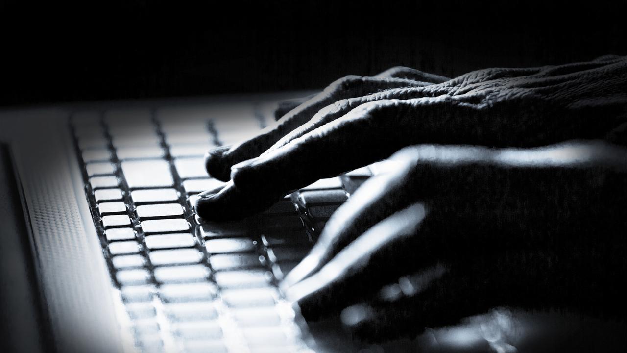 https://media.nu.nl/m/m1mxbcaa5g24_wd1280.jpg/vijf-jaar-cel-hacker-film--en-seriescripts-buitmaakte.jpg