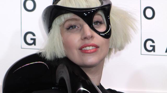 Lady Gaga rookt wiet om te vergeten wie ze is