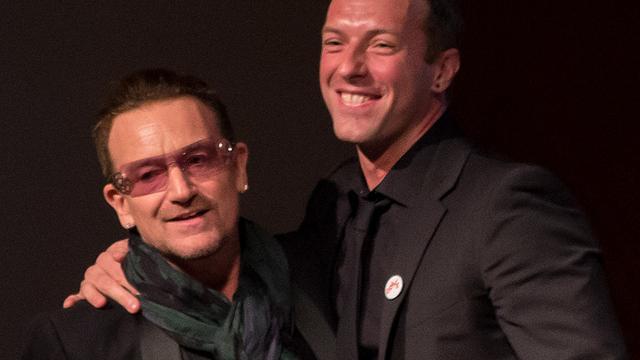 Zangers U2 en Coldplay in duet voor goed doel