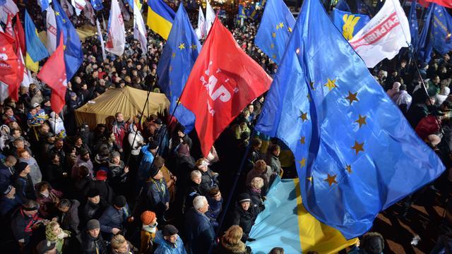 'Overeenkomst EU met Oekraïne niet van tafel'