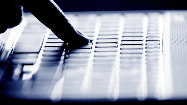 Negen arrestaties voor internetoplichting
